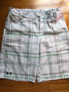 Boys Under Armour Dry FitPerformance Shorts Size L