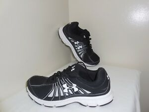 Under Armour CLASSICS Black & White Women Size 8.5 Running Walking Sneaker Shoes