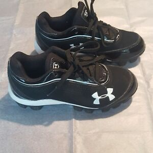 Under Armour Cleats. Rotational Traction Shoes  Size 12K boys