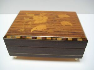 Cuendet Wood Music Box Swiss Movement Mach Regen Scheint Sonne Floral