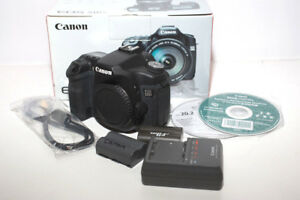 Canon EOS 50D 15.1MP Digital SLR Camera Body 2 batteries 3 Comp Flash Cards