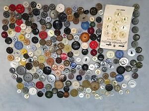 Vintage And Antique Miscellaneous Bulk Sewing Buttons $16.00