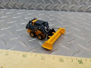 164 CUSTOM FARM TOY construction 320E SKID STEER LOADER W SNOW PUSHER BLADE