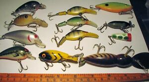 Lot of 12 Crankbait Fishing Lures Nice Assortment
