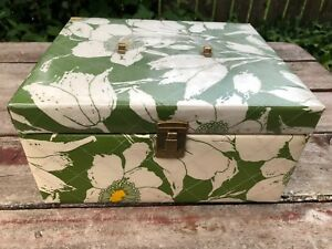 ReTrO 1960#x27;s White Green Flowers Quilted Sewing Box FULL of Sewing Notions $24.95