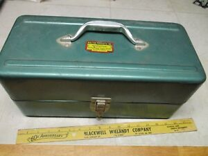 VTG Green Metal Tin Walton Products FIshing Tackle Box Great Shape Lures Misc