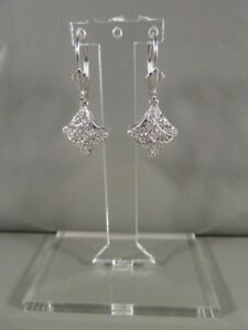 14Kt White Gold Pretty Earrings W5 Diamonds Each