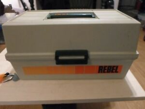 Vintage Rebel 600 3 tray tackle box loaded with lures plus reel (Christmas)