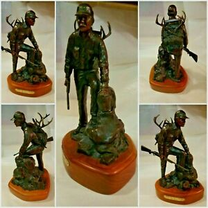 No. 155 Cody Houston   HornsCape and Model 70   Bronze Statue for Winchester