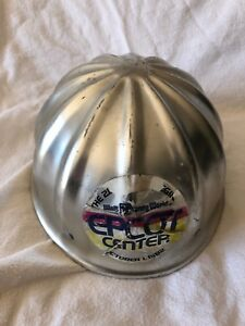 WDW WALT DISNEY EPCOT CENTER VTG 1982 OPENING CREW HARD COVER CONSTRUCTION HAT