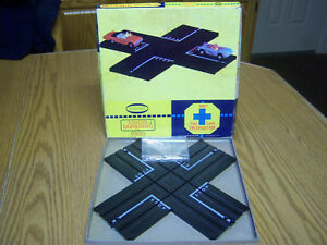 AURORA MODEL MOTORING  90 degree TWO LANE INTERSECTION  NEW UNUSED