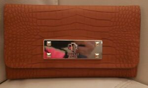 NEW W TAGS WOMEN'S GUESS WALLET COGNAC ALLIGATOR LEATHER LIKE  KYRA SLG CG634051