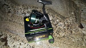 Lew's Mach II Speed Spin MH2 300 Spinning Fishing Reel pre-owned