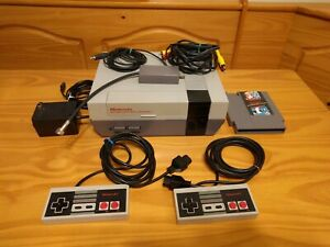 Nintendo Entertainment System NES Bundle w Super Mario-Duck Hunt Controllers+