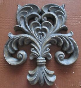 DISTRESSED WOOD STYLE FLEUR DE LIS WALL HANGING ANTIQUE MOSS COLOR $22.00