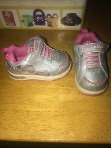Disney Cars Girls Shoes Size 5 Cruisin In Style Silver And Pink $15.00