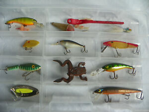 Fishing Lures Bait in Clear Case Weedless Frog L&S Bass Master Wally Diver Lot +