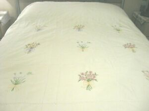 Vintage Look White 100% Cotton w/ Bouquet Emb Stitching & RicRac Duvet Cover - F