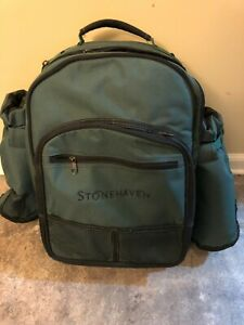 Stonehaven Picnic Back Pack with plates, utensils, cutting board, et