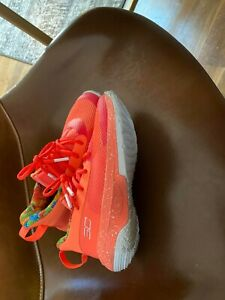 Kids Under Armour Steph Curry Sour Patch Shoes Size 2 in Peach $80.00