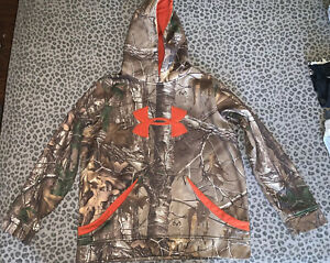Under Armour Camo Hoodie Sweater Youth Size L $19.99
