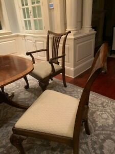 Baker Furniture Dining Set with 3 leaved table and 8 chairs 2 are arm chairs