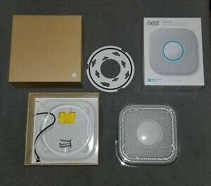 ✔️LIGHTY USED✔️ Nest Protect Smoke + Carbon Monoxide, 2nd Gen, Wired S300