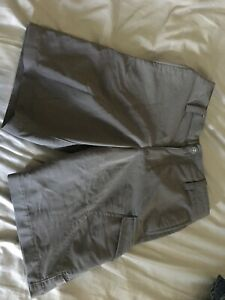 Boys Under Armour Gray Golf Shorts Size Youth Small $1.04