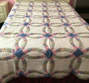 VINTAGE DOUBLE WEDDING RING QUILT HAND-MADE SCALLOPED EDGES COTTON QUEEN SIZE