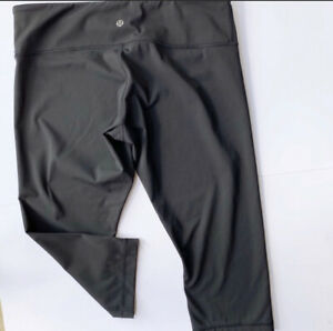 "Ω Size 12 Lululemon Wunder Under Low Rise Crop Black 21"" Inseam Leggings $49.99"