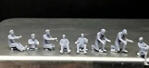 1:64 Scale Miniature People Resin unpainted great for Dioramas #38 Figures