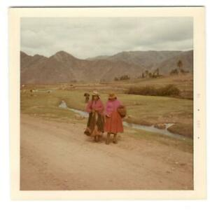 Vintage Photo Guechua Indian Girls Pisac Peru 1960#x27;s DST85