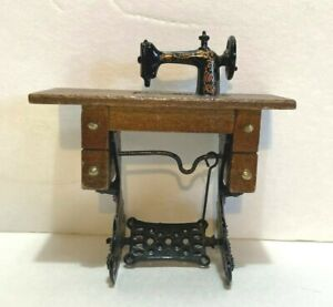 VTG Miniature Dollhouse 1:12 Antique Style Wooden Singer Sewing Machine amp; Table $21.84