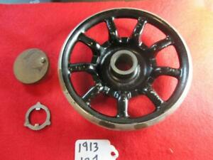 VINTAGE 1913 SINGER MODEL 127 SEWING MACHINE PARTS DRIVE WHEEL SOME RUST $19.99