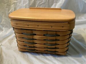 Longaberger 1999 Recipe Basket with plastic liner and wood lid $45.00