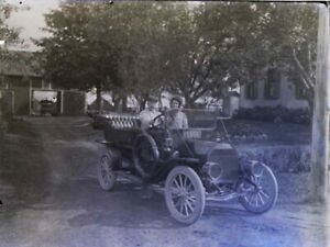 1900#x27;s Antique Glass Plate Negative 6x8quot; Man Woman in Old Car on Rural Farm $40.00