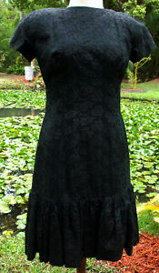 50s Sexy Curvy Blk Embroidered Dress w BottomRuffle amp; Lg Back Bow Med sz 31quot;wst