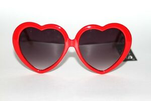 New 50's Vintage Style Designer Gray Lenses Red Heart Frame Women Sunglasses