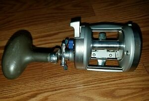 Quantum CABO CNW30PTS Heavy Saltwater Reel THAT LOOKS GOOD! WORKS NEEDS CLEANED