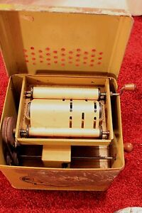 1940 s mechanical j chein melody player