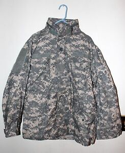 U.S Military Issue Large Cold Weather M-65 Field Jacket with Liner ACU Digital