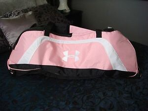 New UNDERARMOUR UNDER ARMOUR XL Large Duffle Bag Pink and Black