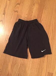 Boys Nike Fit Dry Black Athletic Shorts Size Small