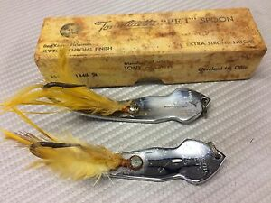 VINTAGE TONY ACCETTA PET SPOON LURE W BOX METAL GOLD FEATHERS LOT OF 2 LURES