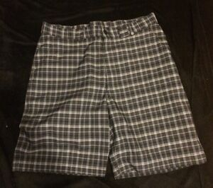 Men's Under Armour Golf Shorts Size 36 Gray Plaid