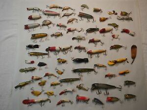 VINTAGE LOT OF 60 FISHING LURES  VINTAGE FISHING LURE LOT OF 60 LURES