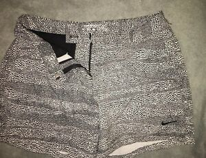 NWT Nike Air Golf Shorts. Navy Blue Women's Size 0 Dry-Fit