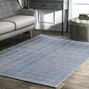 nuLOOM Hand Made Modern Geometric Cotton Area Rug in Navy Blue and White