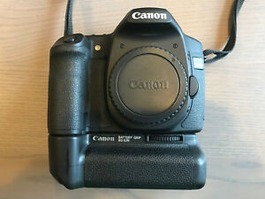 Canon EOS 50D 15.1MP DSLR Camera - Black with battery grip and extra battery!