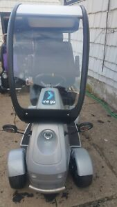 ME:GO Scooter silver hard canopy steering wheel gasbrake pedals amfmmp3!